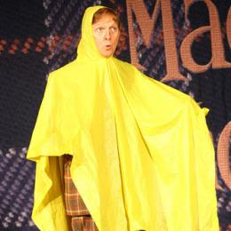 Mac King in Cloak of Invisibility